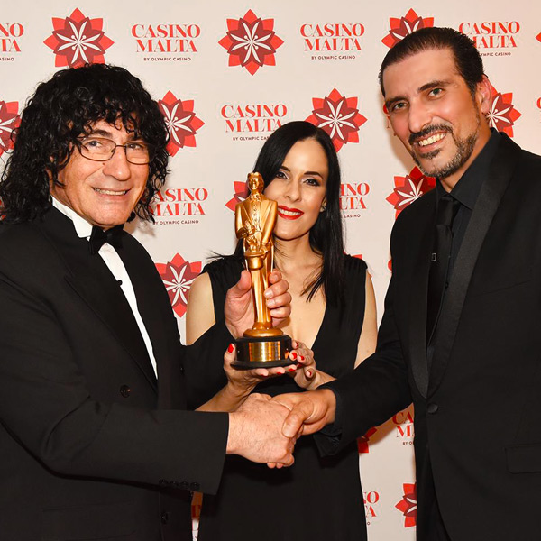 Best Magician in Malta receives Merlin Award