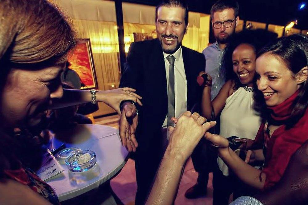 Close Up Magician in Malta Wedding